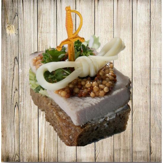 Канапе - Буженина с бантиком на ржаном хлебе