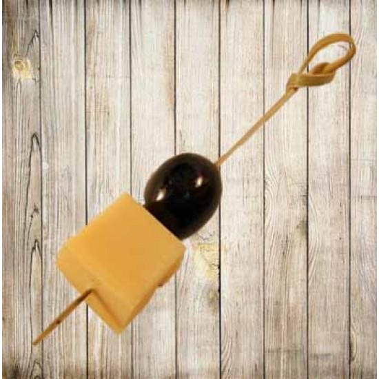 Шпажка с сыром и виноградом