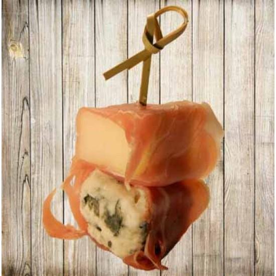 Шпажка с хамоном и сыром дар блю, и грушей