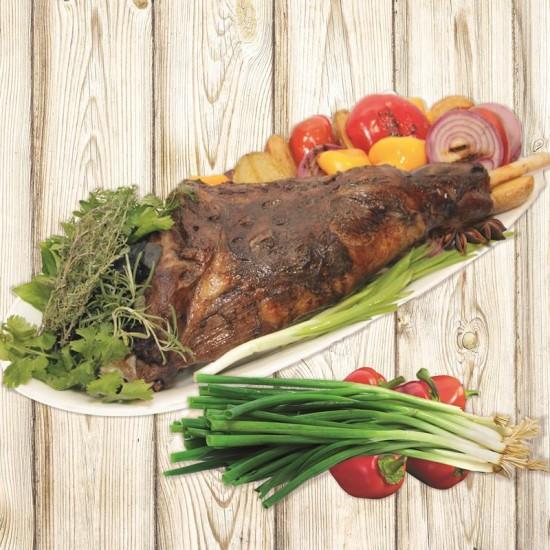 Баранья нога запеченная с овощами